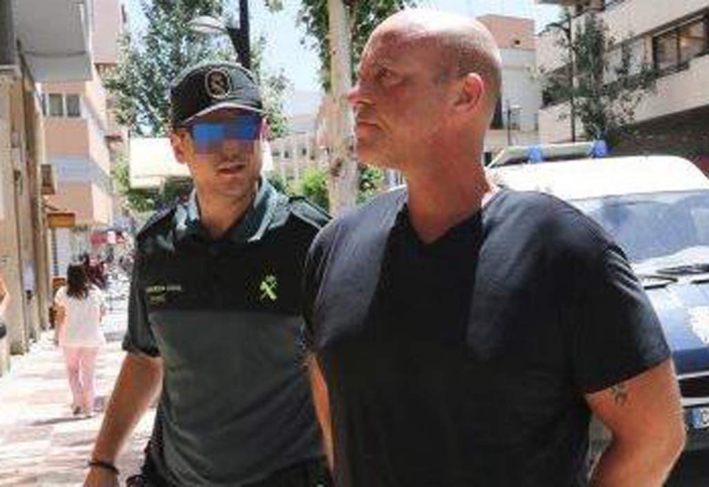 British Man Accused of Murder of Thai Dancer Awaits Extradition From Ibiza