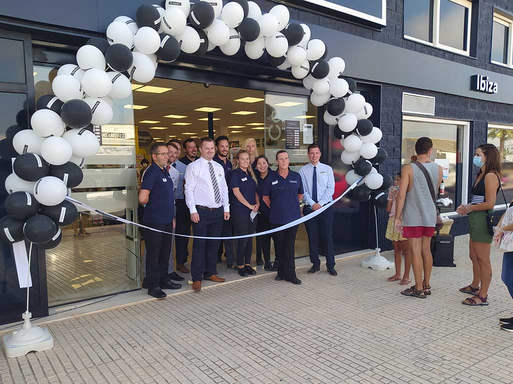 IFCC President Helen Watson Opens 'The Food Co.' British Supermarket in Ibiza Town